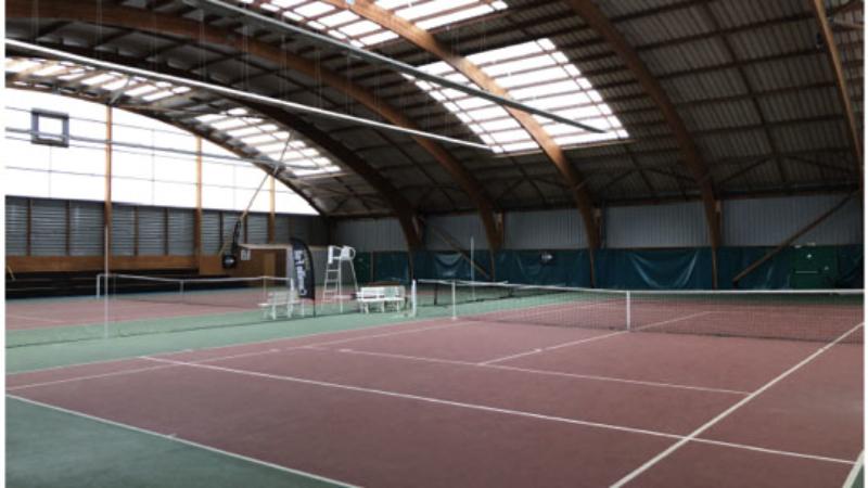 Salle de tennis