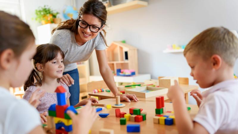 Mise en place d'un réseau d'entraide de garde d'enfants